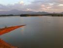 Ngắm hoàng hôn đỏ rực trên hồ Đồng Mô trong ngày nắng nóng đỉnh điểm