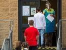 Anh: Chi 1 tỷ bảng dạy phụ đạo học sinh bị gián đoạn học tập vì Covid-19