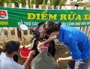 """Quảng Ngãi:  Áo xanh """"đội nắng"""" rửa xe gây quỹ giúp người nghèo"""