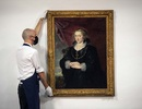 Bất ngờ bức tranh phủ bụi bị lãng quên hơn 100 năm có giá hơn 100 tỷ đồng