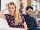 Bắt được tin nhắn nhạy cảm của vợ cùng người đàn ông khác