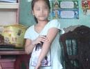 Bé gái 6 tuổi bị người lạ nắm tay kéo đi ngay trước cổng nhà