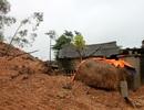 Sạt lở núi, hàng chục hộ dân thấp thỏm lo bị vùi lấp