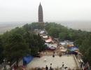 Hàng nghìn du khách về chùa Phật Tích dự hội Khán hoa mẫu đơn