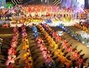 Sân khấu khổng lồ 1km rực rỡ khai hội Carnaval Hạ Long 2014
