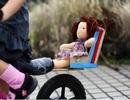 """""""Hô biến"""" vật dụng cũ thành đồ chơi mới cho con"""