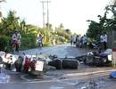 4 xe máy nằm la liệt trên đường, 2 người thương vong