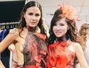 """Ca sĩ gốc Việt Kavie Trần """"đọ dáng"""" siêu mẫu quốc tế tại New York"""