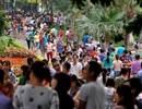 Công viên Hà Nội đông nghẹt người ngày nghỉ lễ