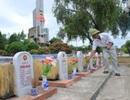 Những cựu chiến binh thầm lặng chăm sóc phần mộ cho đồng đội