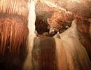 Khám phá vẻ đẹp kỳ bí của động Brai trên dãy Trường Sơn