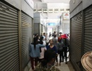 Hàng trăm tiểu thương chợ Đông Hà đồng loạt đóng quầy, nghỉ bán