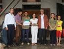 Trao gần 87 triệu đồng đến chị Lê Thị Bính