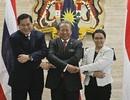 Ngoại trưởng 3 nước Đông Nam Á thảo luận giải quyết vấn đề thuyền nhân