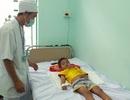 Cứu sống bé trai bị sốt xuất huyết thể sốc, 90% tiên lượng tử vong