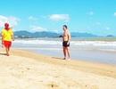 """Những """"kình ngư"""" cứu mạng du khách ở bờ biển Nha Trang"""