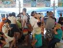 """Khách Trung Quốc """"đông nghẹt"""" ở bến tàu du lịch Nha Trang"""