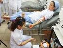 Nhân viên y tế hiến máu 4 đơn vị máu cứu sống sản phụ