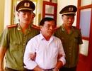 Khởi tố, bắt tạm giam 2 cán bộ xã