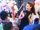 Á hậu Diễm Trang đón Noel sớm cùng các em nhỏ sát ngày cưới