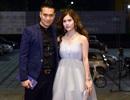 Việt Anh nắm chặt tay vợ hot girl đi nhận giải Nam chính xuất sắc
