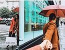 Kỳ Duyên công khai tựa vai, nắm tay bạn trai trong ngày mưa Paris