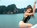 Hương Giang Idol khoe đường cong gợi cảm với áo tắm trên Vịnh Hạ Long