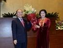 Nữ Chủ tịch Quốc hội trân trọng những cống hiến của người tiền nhiệm