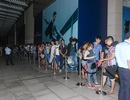 Người dùng xếp hàng từ đêm chờ mua Galaxy Note 5