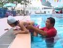 Bơi là kỹ năng rất quan trọng trong việc bào vệ trẻ