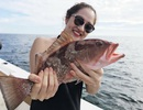 Bảo Anh gợi cảm đi câu cá ở Miami