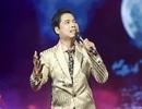 Ca sĩ Ngọc Sơn lại nghẹn ngào trên sân khấu và đòi hát xuyên đêm