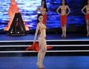 Quyến rũ màn trình diễn áo tắm của 32 thí sinh Hoa hậu Việt Nam