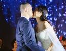 """Khánh Thi """"tươi như hoa"""" khi đến dự đám cưới """"tình cũ"""" Chí Anh"""