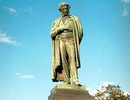 Hội Nhà văn Nga tặng tượng đài Đại thi hào A.S.Pushkin cho Hà Nội