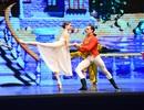 """Khán giả Hà Nội """"chìm"""" trong giấc mơ có thật của ballet """"Kẹp hạt dẻ"""""""