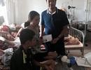 Nhiều tấm lòng hảo tâm chung tay giúp đỡ cậu bé mồ côi cha chăm mẹ ung thư tại bệnh viện