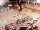 Hãi hùng cảnh mái và trần phòng học tự đổ sập