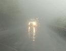 Xe đầu kéo lật nhào tại Cửa khẩu Cầu Treo do sương mù dày đặc
