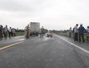 Xe máy kẹp 4 tông xe tải, 2 thanh niên tử vong