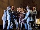 Cảnh cưỡng hiếp trên sân khấu kịch khiến khán giả tức giận