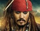 """""""Cướp biển Caribbe"""" Johnny Depp gây bất ngờ khi đến thăm bệnh nhi"""