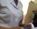 """Xuất hiện clip """"tố"""" nhân viên y tế viện K nhận cả xấp phong bì từ bệnh nhân"""