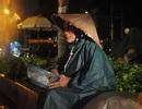 Những phận người nghèo trong đêm mưa Sài Gòn