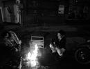 Hình ảnh lạ: Người Sài Gòn cũng đốt lửa sưởi ấm trong đêm