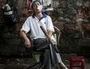 Thợ cắt tóc vỉa hè Hà Nội lên báo Mỹ
