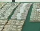 1 triệu USD bị ném xuống từ máy bay