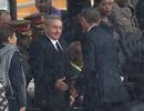 Chủ tịch Cuba nói gì với Obama khi bắt tay?
