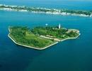 Ý rao bán hòn đảo bị ma ám