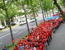 Hơn 1.000 người Việt tuần hành tại Osaka phản đối Trung Quốc